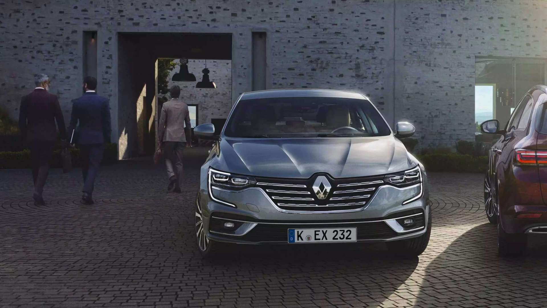 Frontansicht - silbernes Auto - Renault Talisman - Renault Ahrens Hannover