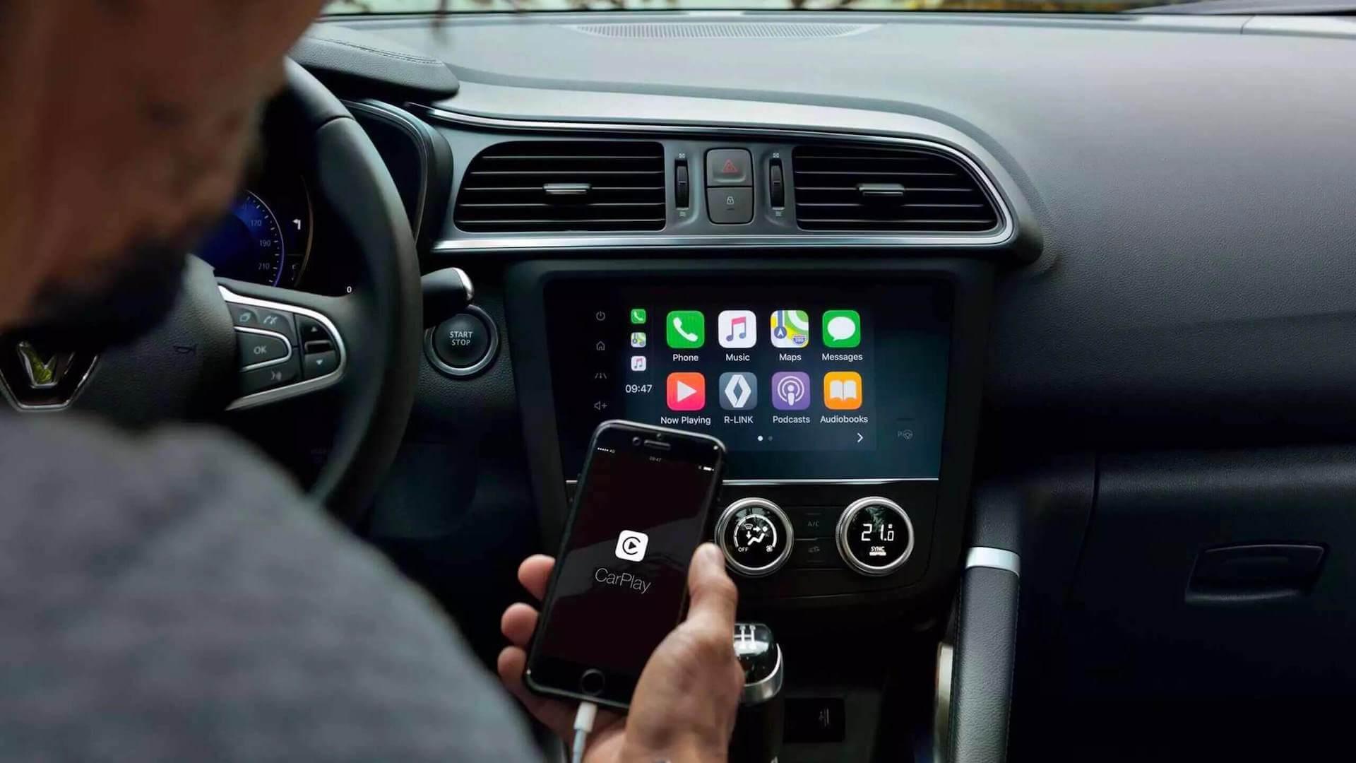 Innenraum vom Auto - Handy wird geladen - Renault Kadjar - Renault Ahrens Hannover