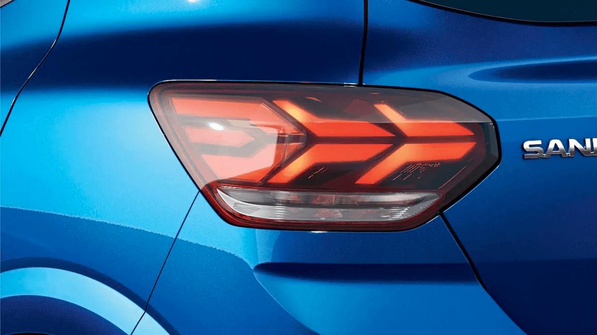 Licht-details vom blauen Auto - Dacia Sandero - Renault Ahrens Hannover