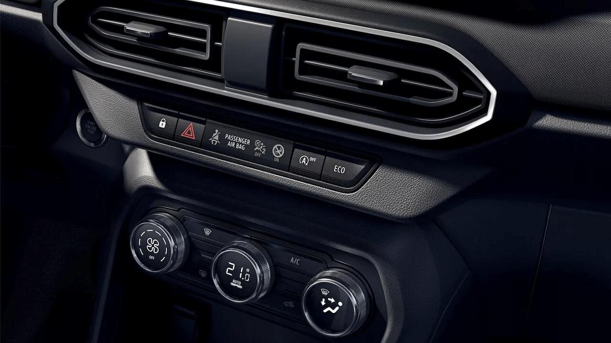 Mittelkonsolen-details vom Auto - Dacia Sandero - Renault Ahrens Hannover