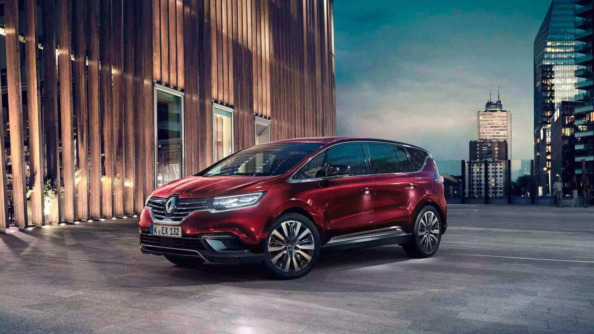Seitenansicht vom roten Auto - Auto steht auf einem großen Platz - Renault Espace - Renault Ahrens Hannover