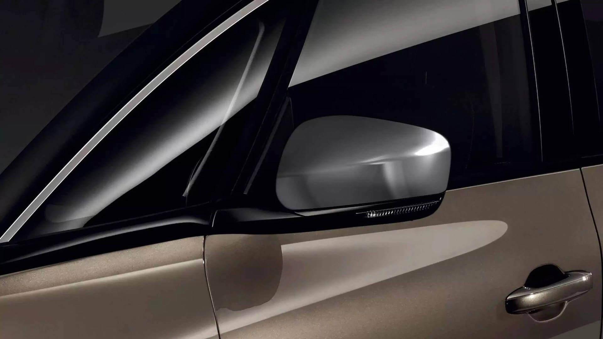 Zweifarbenlackierung vom Auto - Renault Scenic - Renault Ahrens Hannover
